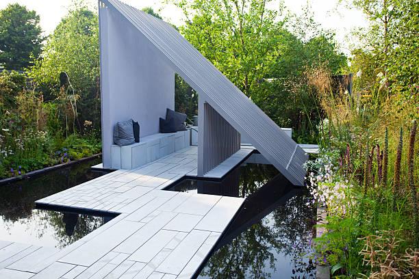 garten und landschaft - terrassen deck design stock-fotos und bilder