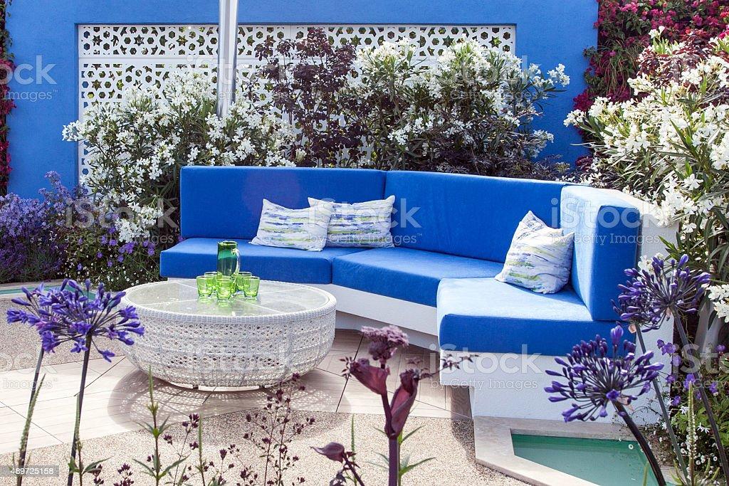Gartenlandschaft mit Terrasse – Foto