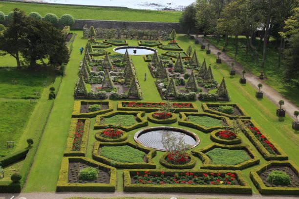 Garten von Dunrobin Castle-Schottland – Foto