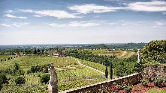 Garten Der Abtei Von Rosazzo Manzano Colli Orientali Del Friuli Udine Italien Stockfoto und mehr Bilder von Anhöhe