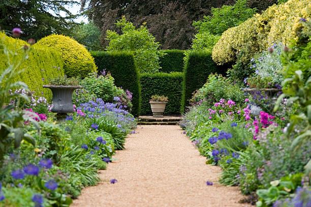 Camino de jardín - foto de stock