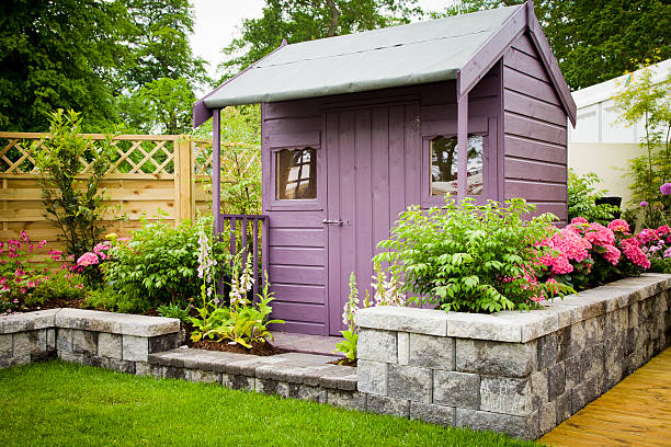 Garden shed Garden shed in summer shed stock pictures, royalty-free photos & images