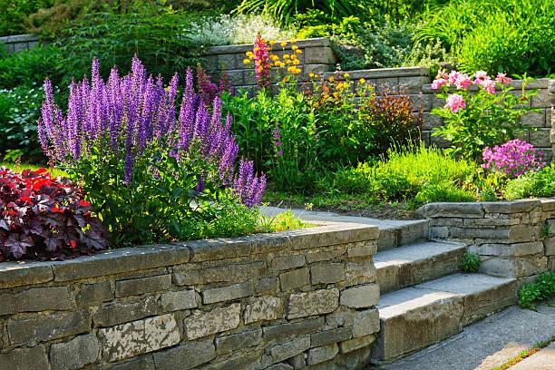 Jardín con piedra Paisajismo - foto de stock