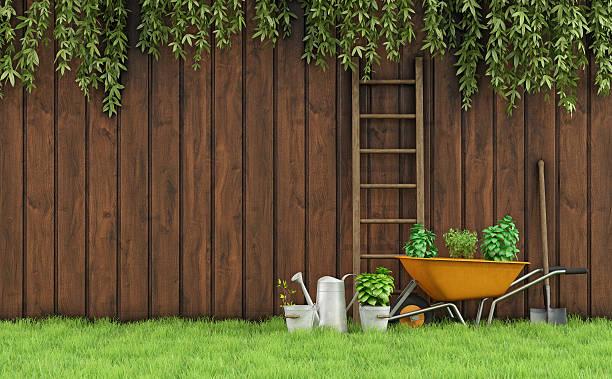 gardening - kruiwagen met gereedschap stockfoto's en -beelden