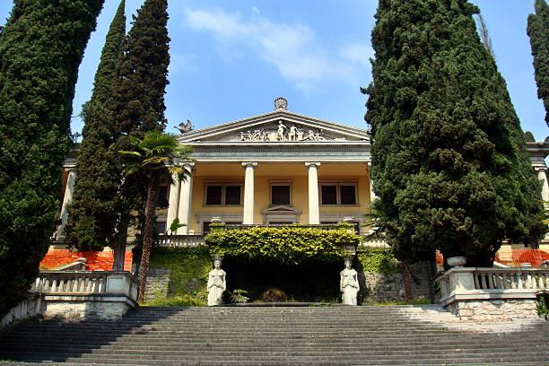 gardone riviera - ferienhaus am gardasee stock-fotos und bilder