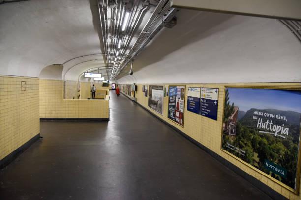 gare de lyon (pariser métro) - gare de lyon wiedenmeier stock-fotos und bilder