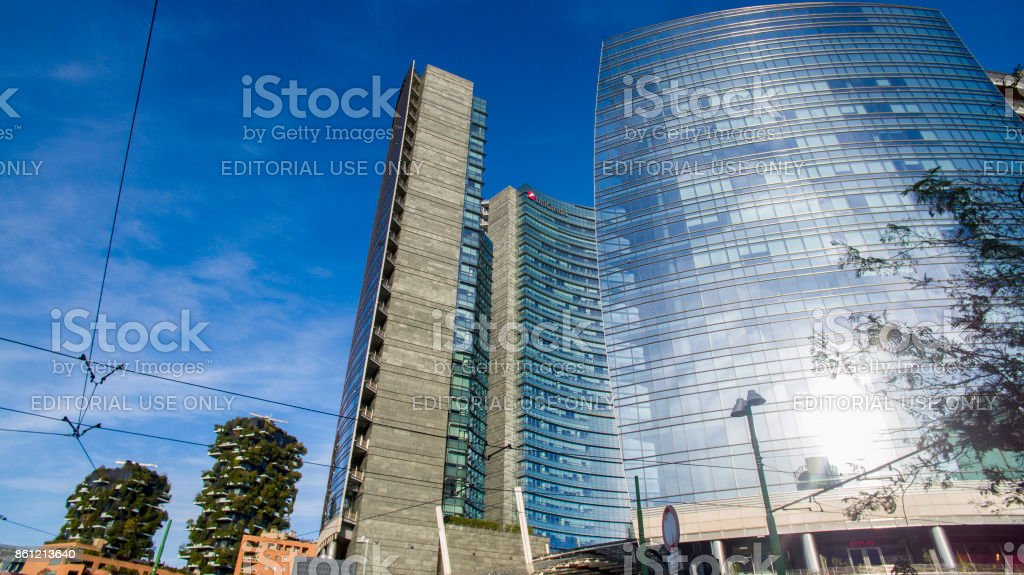Garibaldi Station and Unicredit Tower area with vertical forest, Milan, Italy - foto stock