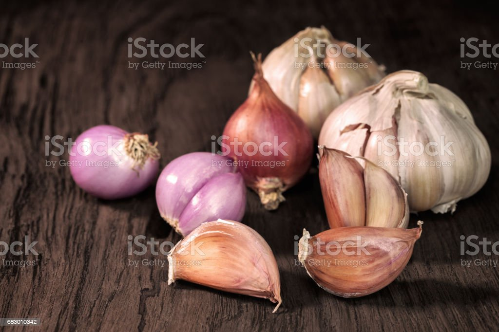 Garlics and red onion royalty-free stock photo