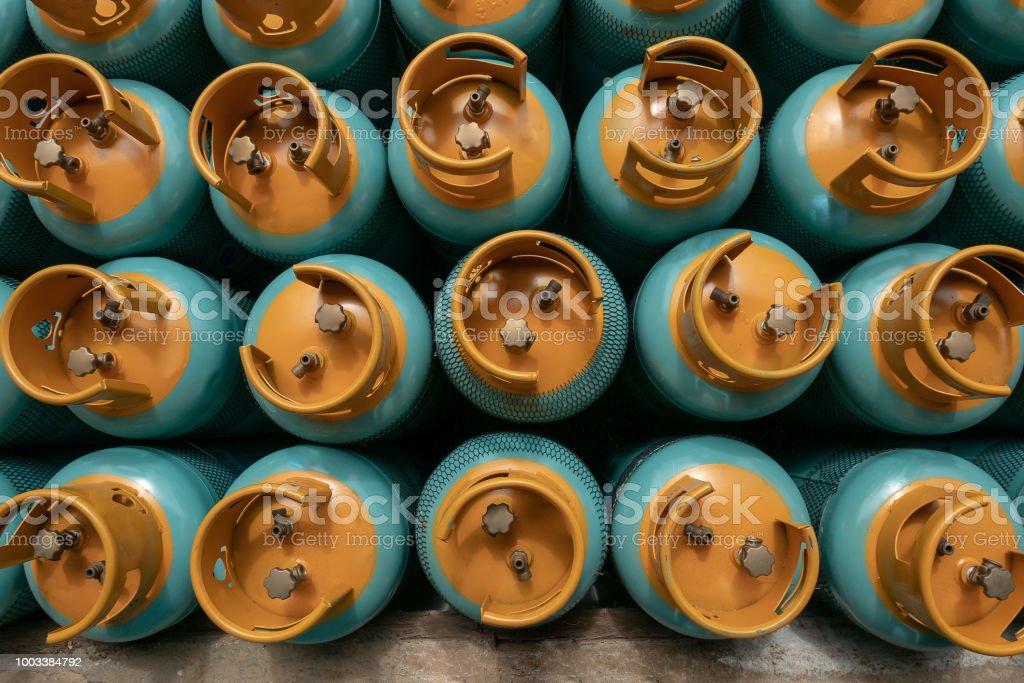 LPG 가스 병 스택 판매, lpg 가스 병을 작성에 대 한 준비 - 로열티 프리 가득 찬 스톡 사진
