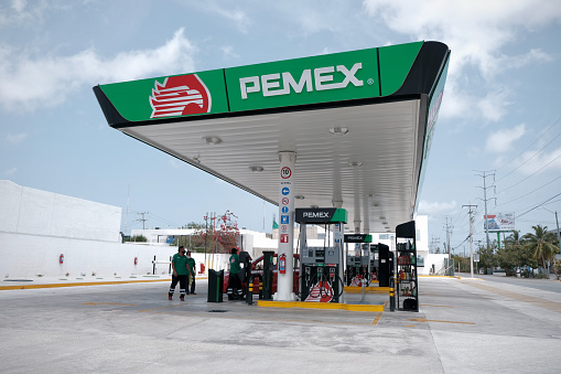 Gas station in Mexico COVID-19