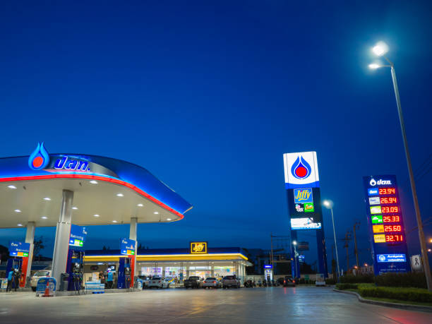 Bangkok, Thailand - June 23, 2017: PTT gas station. PTT Public Company Limited or simply PTT is a Thai state-owned SET-listed oil and gas company.Formerly known as the Petroleum Authority of Thailand. Bangkok, Thailand - June 23, 2017: PTT gas station. PTT Public Company Limited or simply PTT is a Thai state-owned SET-listed oil and gas company.Formerly known as the Petroleum Authority of Thailand. known gas stock pictures, royalty-free photos & images
