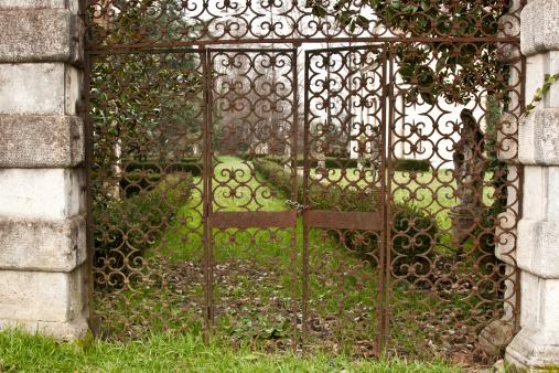 gate, entrance to Villa valmarana