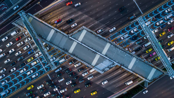 Gate for expressway fee payment aerial view car at gate for fee picture id1125876812?b=1&k=6&m=1125876812&s=612x612&w=0&h=daefv f0fp ge29qklxa3a4luxmvmxwpmllx kwyeus=