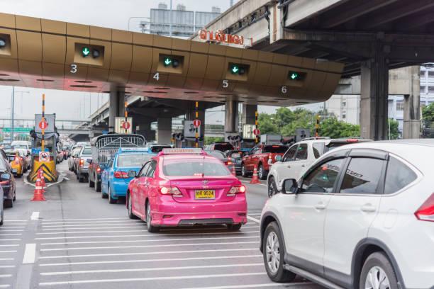 Gate for expressway fee payment in bangkok picture id840068288?b=1&k=6&m=840068288&s=612x612&w=0&h=yjnd 6byskk5qzograbwccza5ki4hkyhvmzxvd2odak=