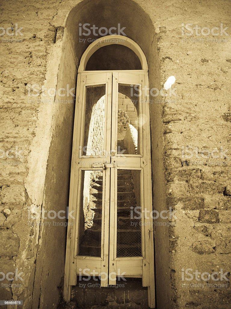 북문 있는 Medinet 하부 관자놀이, 이집트 룩소르 royalty-free 스톡 사진