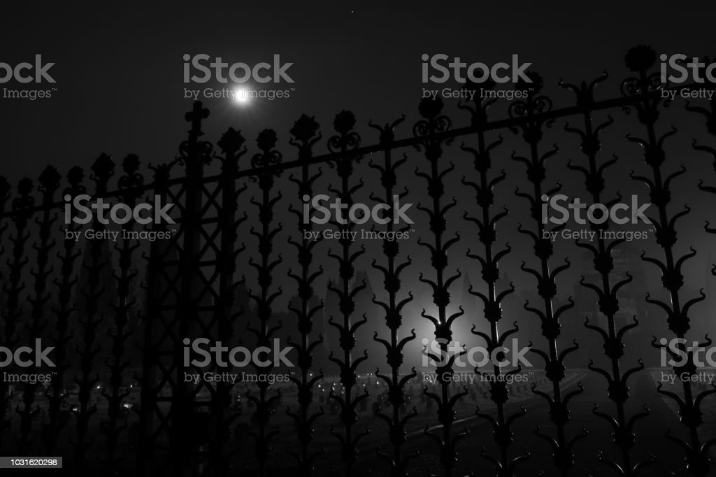 Gate of Crespi d'Adda Cemetery with full moon 3:2 - Стоковые фото UNESCO роялти-фри