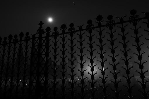 Gate Of Crespi Dadda Cemetery With Full Moon 32 — стоковые фотографии и другие картинки UNESCO