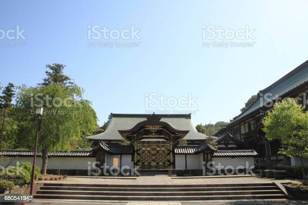Gate of kencho ji in kamakura kanagawa japan picture id680541942?b=1&k=6&m=680541942&s=612x612&h=wijrk4jaazksoqscjdad eg8xwjid7oetgrlwemojqe=