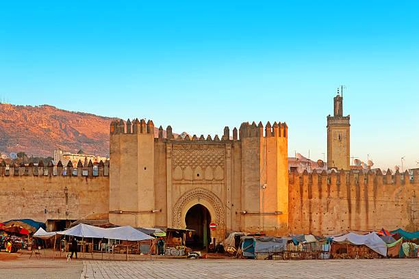 gate to ancient medina of fez, morocco - kasbah bildbanksfoton och bilder