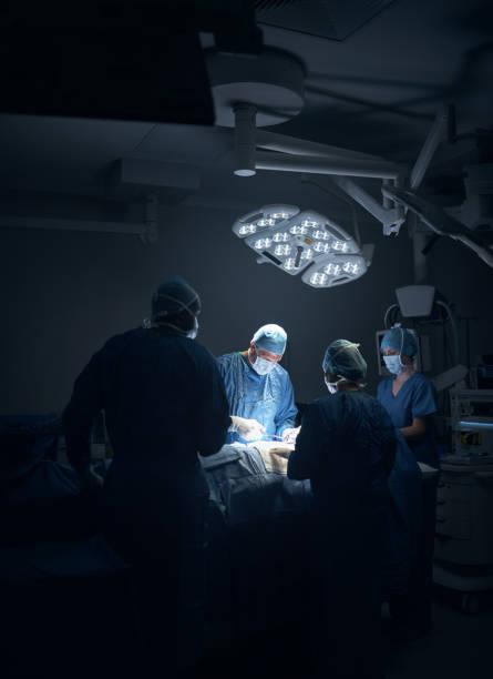 Versammelten sich rund um es noch eine weitere erfolgreiche Operation machen – Foto