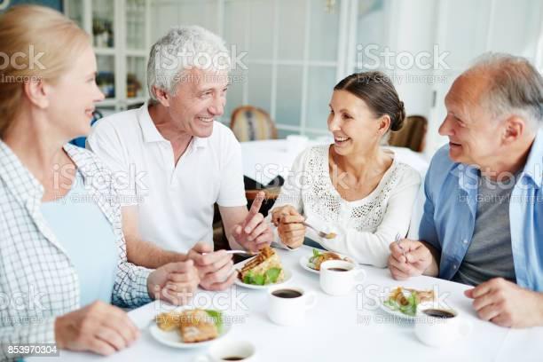 Gathering in cafe picture id853970304?b=1&k=6&m=853970304&s=612x612&h=qlnpbocpt9eopl jfk4z5ehmjrd1iaxscqoaskkv9s0=