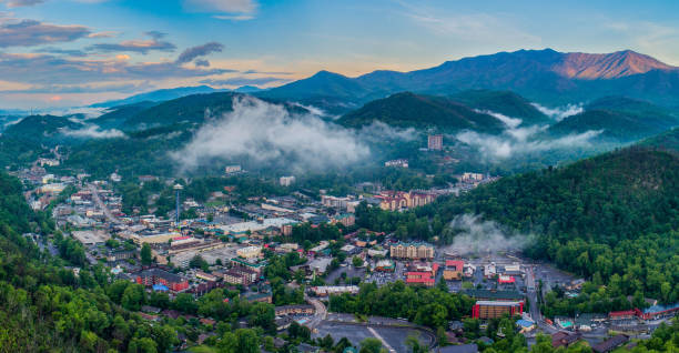 Gatlinburg, Tennessee, USA Downtown Skyline Aerial Gatlinburg, Tennessee, USA Downtown Skyline Aerial. pigeon forge stock pictures, royalty-free photos & images