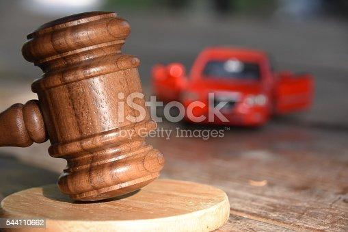istock gavel and car 544110662