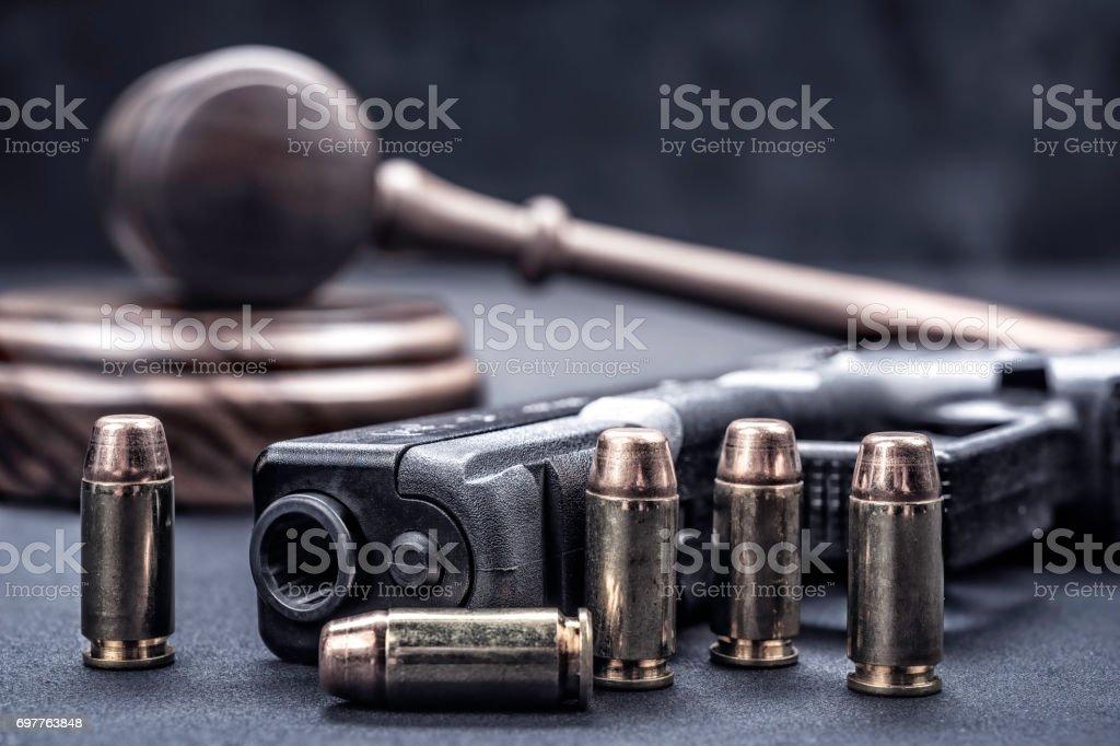 Hammer und Pistole Rechte – Foto