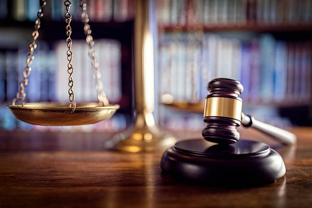 Gavel, scales of justice and law books Judge gavel, scales of justice and law books in court criminal stock pictures, royalty-free photos & images