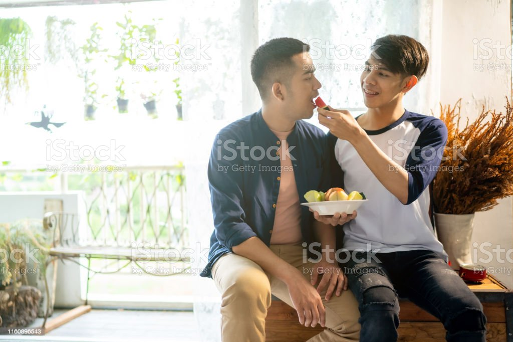 lom gay dating