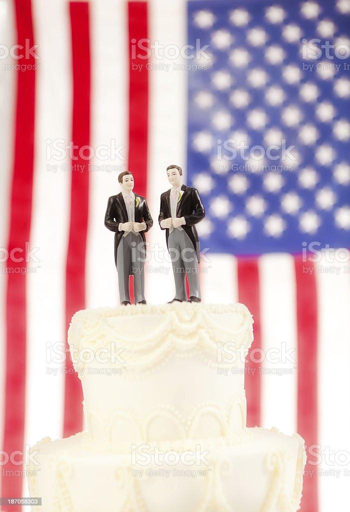 Gay Hochzeitstorte Mit Usa Flagge Im Hintergrund Stock Fotografie