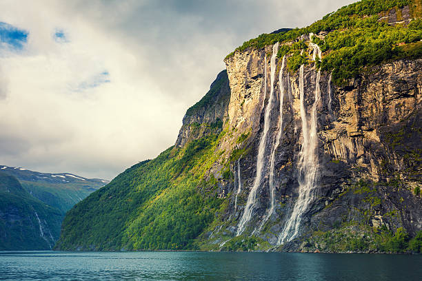 Geiranger fjord. Seven Sisters Waterfall, Norway – Foto