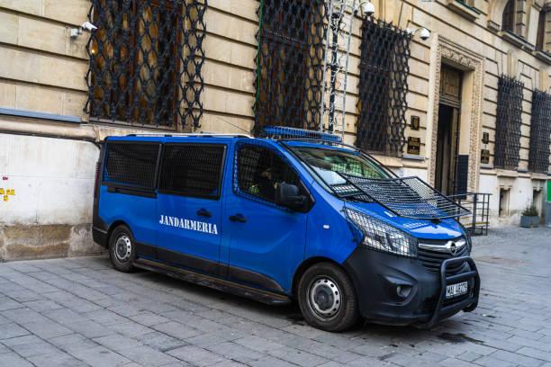Gendarmerie (Jandarmeria) Einheit Autos, Militärpolizei, rumänische Spezialeinheiten. Konzept des Schutzes und der Sicherheit, Autos geparkt in Bukarest, Rumänien, 2020 – Foto