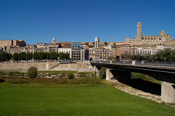 vista general , lerida, cataluña, spain - lleida 個照片及圖片檔
