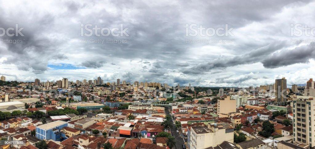 Gesamtansicht der Stadt Ribeirão Preto im Bundesstaat São Paulo – Foto