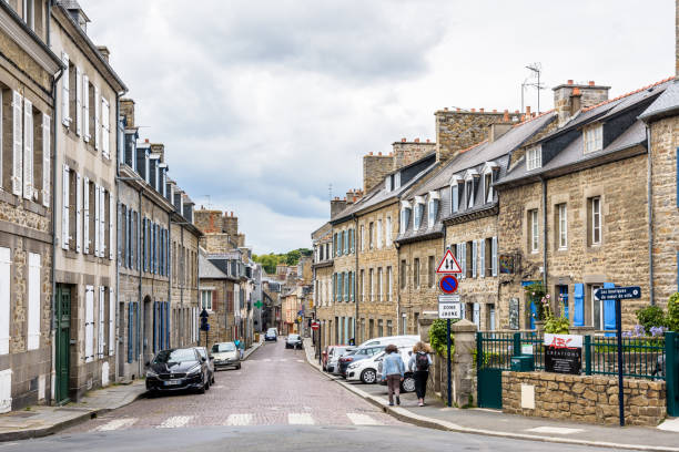 Vue générale de la rue du Maréchal Foch vue de la place Saint-Michel à Saint-Brieuc, France. - Photo
