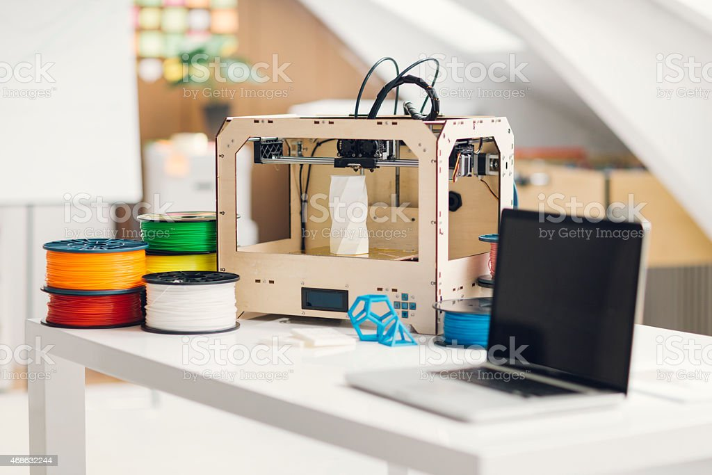 Impresora 3D genérico en una oficina. - foto de stock