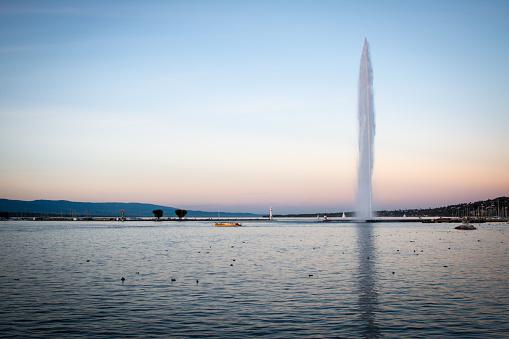 Geneva Jet d'eau with Mouette during Golden Hour