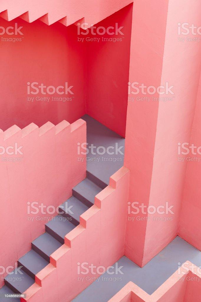 Geometrischen Gebäude Detail. Die Rote Wand, La Manzanera. Calpe – Foto