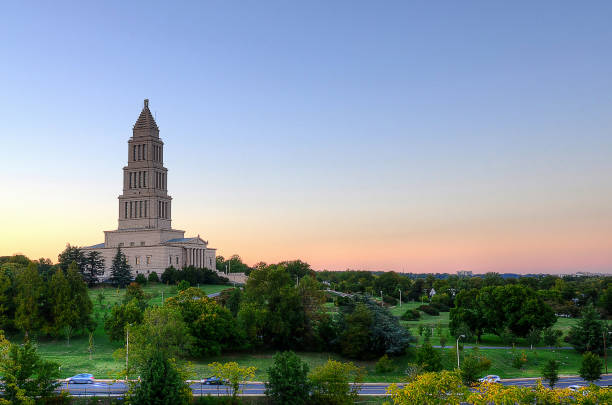 george washington masonic memorial - altstadt stock-fotos und bilder