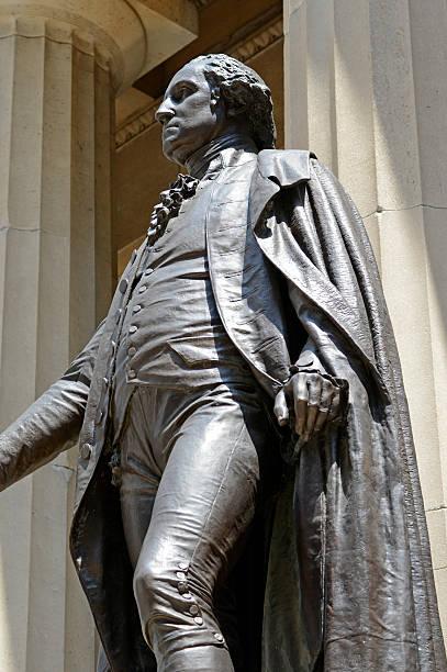 estátua de george washington no federal hall seguinte para nyse, nova iorque - nyse crash imagens e fotografias de stock