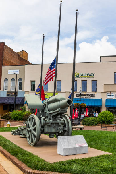 german cannon, main square, hickory - memorial day weekend stock pictures, royalty-free photos & images