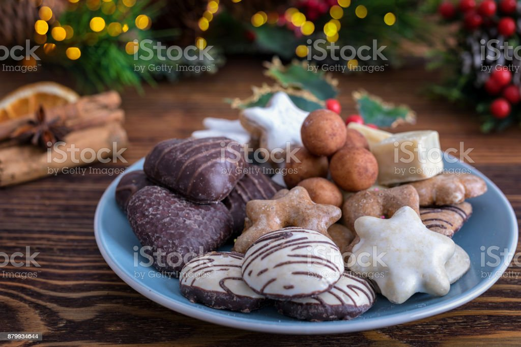 Deutsche Weihnachtsplätzchen.Deutsche Weihnachtsplätzchen Für Die Tage Des Advents Stockfoto Und Mehr Bilder Von Advent