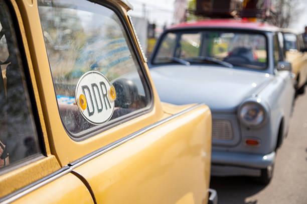 german ddr trabant car - oost duitsland stockfoto's en -beelden