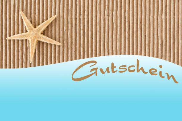 deutscher geschenkgutschein und stranddekoration - partylabels stock-fotos und bilder