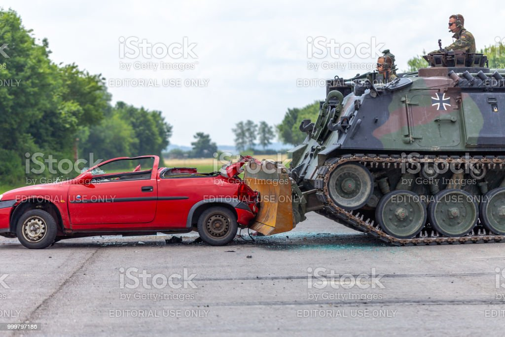 Feldkirchen Germany June 9 2018 German Tank Dozer Dachs Crashes A