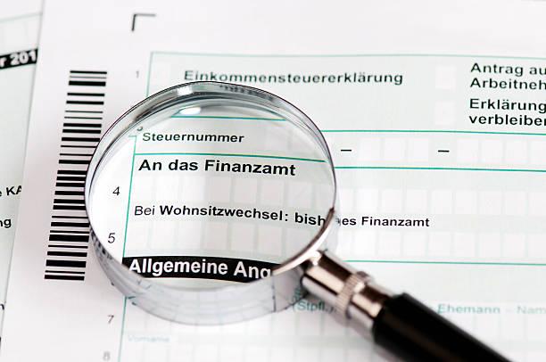 formulir pajak jerman - einkommensteuererklaerung - cpa vs tax advisor potret stok, foto, & gambar bebas royalti