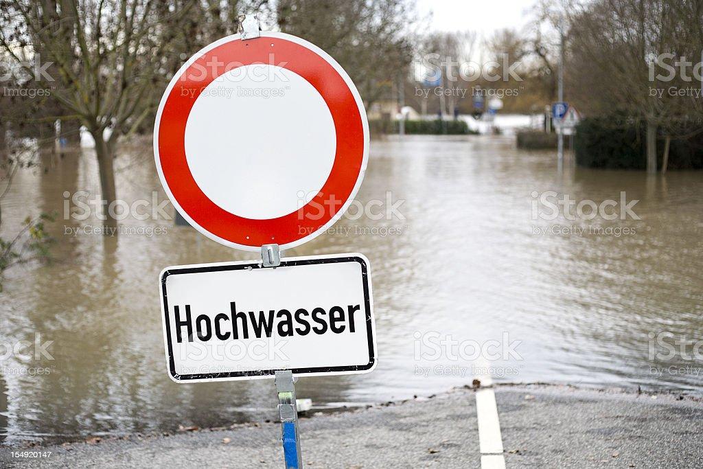 Deutsche Ampel, hohe Wasser road closed, Hochwasser – Foto