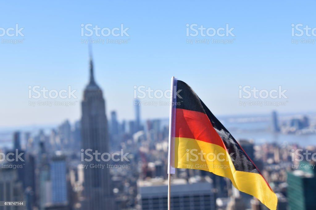 Almanya bayrağı Empire State Binası arka planı royalty-free stock photo