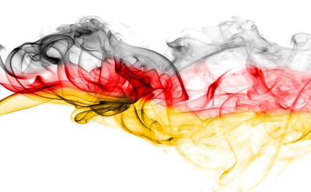 fumée de drapeau allemagne - drapeau allemand photos et images de collection